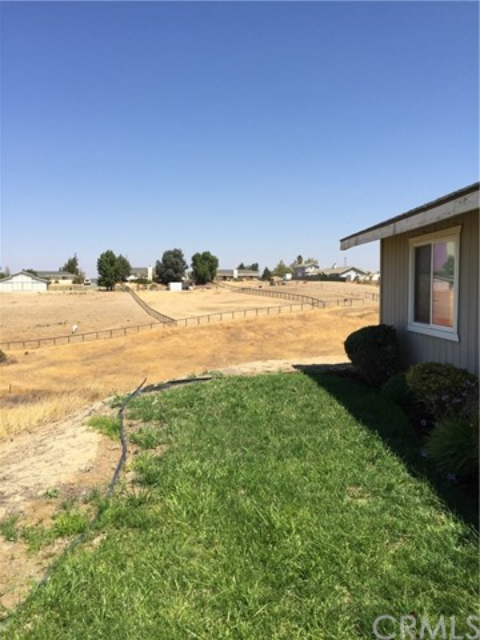 8215 Baron Way Paso Robles, CA 93446 - MLS #: NS18213178