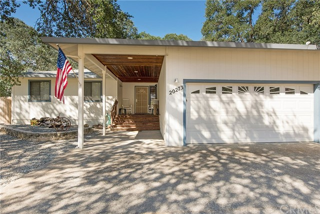 20273 Powder Horn Road, Hidden Valley Lake CA: http://media.crmls.org/medias/3bfb7ab3-a354-4ba7-8c96-7d975a10f4b7.jpg
