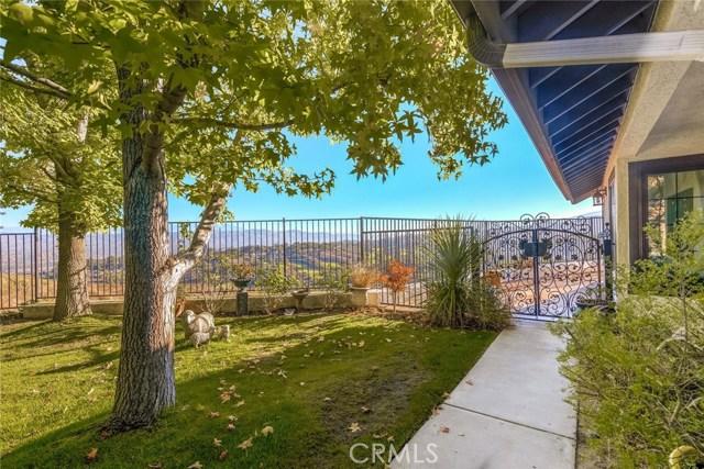 6219 E Quartz Lane, Anaheim Hills CA: http://media.crmls.org/medias/3bff014e-fbc5-43f2-9f99-b48d09387a73.jpg