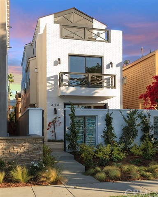 426 7th Street Huntington Beach, CA 92648 OC16718222