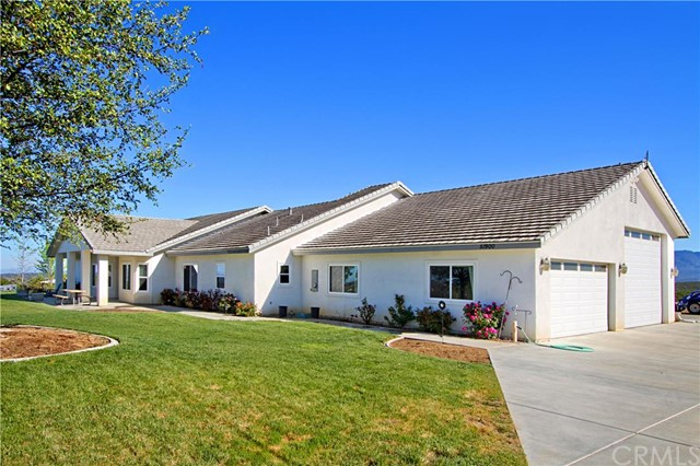 Single Family Home for Sale at 51900 Hernley Road Aguanga, California 92536 United States