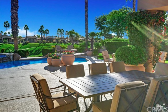 49170 Rancho Pointe, La Quinta CA: http://media.crmls.org/medias/3c19ad79-42c3-4233-8a29-63cf93536d16.jpg