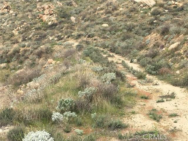 11275 Eagle Rock Road, Moreno Valley CA: http://media.crmls.org/medias/3c1dff36-ec73-4b54-a576-aa231ea1641a.jpg