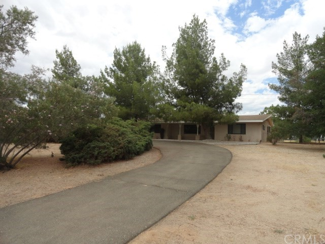 19965 Chickasaw Road, Apple Valley, CA, 92307