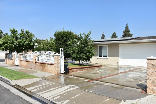 1527 W Dogwood Av, Anaheim, CA 92801 Photo 2