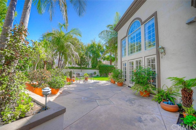 Single Family Home for Sale at 7 Dellwood Rancho Santa Margarita, California 92679 United States