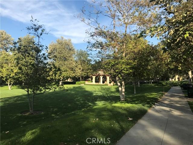 29 Flowerbud, Irvine CA: http://media.crmls.org/medias/3c3de5d6-10c6-4540-9b67-1b9621ebdee5.jpg