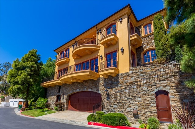 563  Emerald Bay 92651 - One of Laguna Beach Homes for Sale
