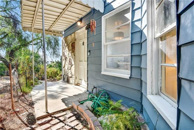 独户住宅 为 销售 在 4229 Corona Drive El Sereno, 90032 美国