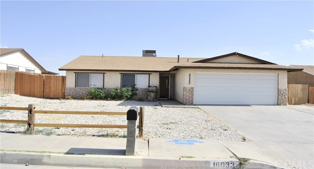 16033 Puesta Del Sol Drive, Victorville CA: http://media.crmls.org/medias/3c60562e-fa82-41a1-a27c-92348b6f19ba.jpg