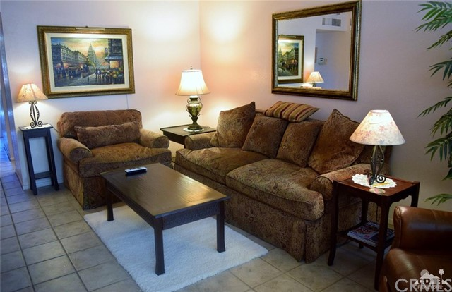 47670 Desert Sage Court, Palm Desert CA: http://media.crmls.org/medias/3c69668c-6e0e-451d-9345-d561770f62d3.jpg