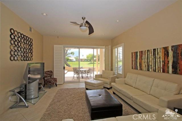 75 Augusta Drive, Rancho Mirage CA: http://media.crmls.org/medias/3c839cf8-8e07-4fbf-9a0c-6d0cd0b8d4d2.jpg