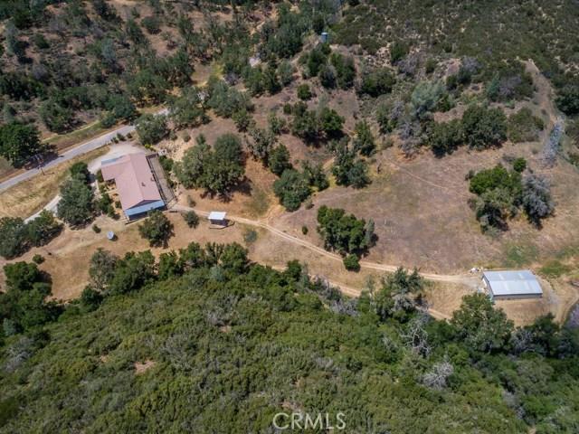 3651 Las Pilitas Road, Santa Margarita CA: http://media.crmls.org/medias/3c86af29-64c9-48f8-b497-66775b955fd7.jpg