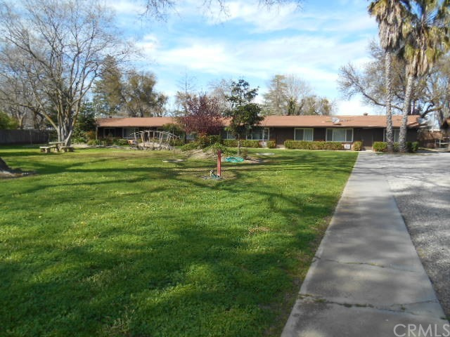 443 W Wood Street, Willows CA: http://media.crmls.org/medias/3c95ccb8-dbc0-4595-98a1-c445c3bb151c.jpg