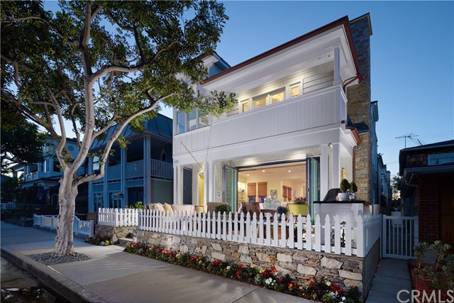 121 Garnet Avenue, Newport Beach, California