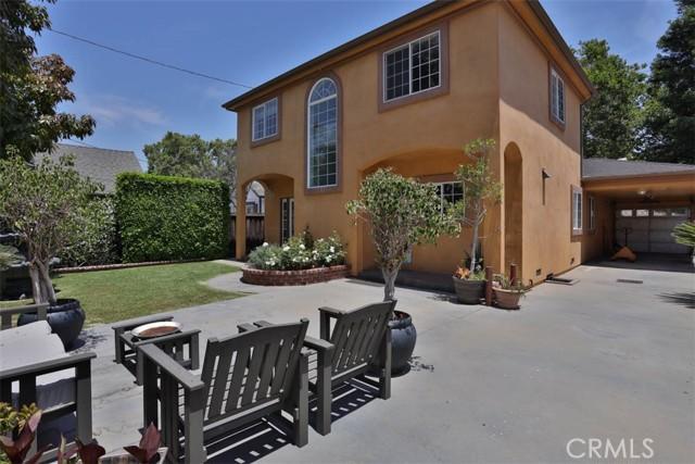 337 N Mariposa Street, Burbank CA: http://media.crmls.org/medias/3c9f905a-053f-4f93-a636-ef57bdfed627.jpg