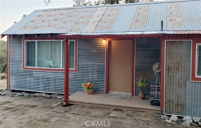 59201 Road 225, North Fork CA: http://media.crmls.org/medias/3ca4f6a8-01c7-434c-a4d8-ec588d966e0c.jpg