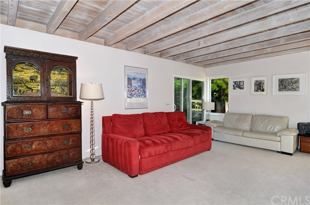 211 W Avenida Valencia, San Clemente CA: http://media.crmls.org/medias/3cba4c05-d1b4-4030-9194-e85e420cde8b.jpg