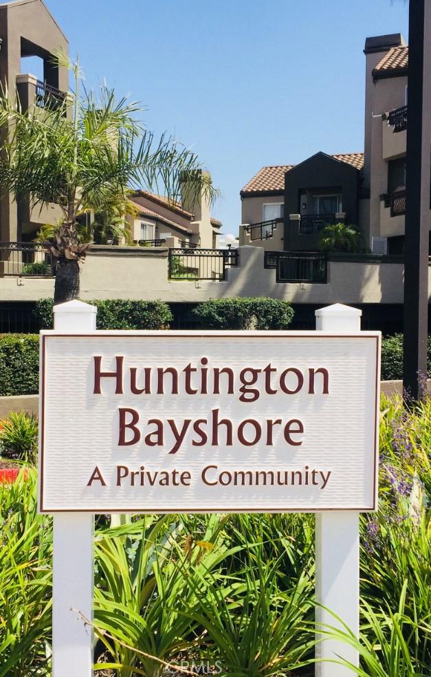 420 Lake Street, Huntington Beach CA: http://media.crmls.org/medias/3cbd0bfa-6235-43c4-b4ab-919a00fbdcc8.jpg