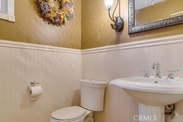 598 Redondo Lane, Corona CA: http://media.crmls.org/medias/3cce1c9d-f3b8-473a-9f30-acac5e65d754.jpg