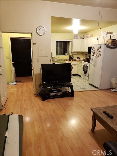 1217 S Kingsley, Los Angeles CA: http://media.crmls.org/medias/3cd11c0c-9bd2-4f38-b676-ef5b264332fd.jpg