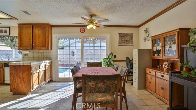 1322 Lanfair Street, Redlands CA: http://media.crmls.org/medias/3ce122d6-5bce-4ce3-846a-680d990bfb59.jpg