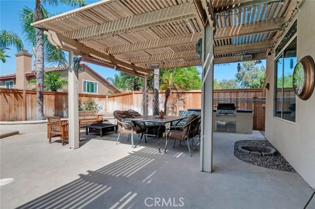2856 S Buena Vista Avenue, Corona CA: http://media.crmls.org/medias/3ce90f63-7be7-4494-9f8e-5a602dd9c89d.jpg