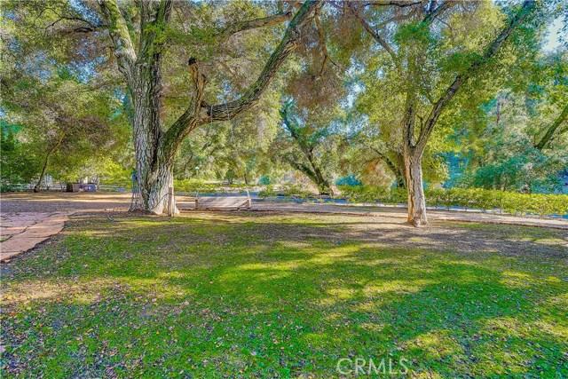 37170 Oak Grove Road, Yucaipa CA: http://media.crmls.org/medias/3cf562da-2160-4e68-84fe-0ef28942a9db.jpg