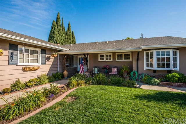 Single Family Home for Sale at 17564 Santa Paula St Fountain Valley, California 92708 United States