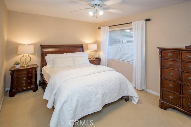 2390 Fordham Drive, Costa Mesa CA: http://media.crmls.org/medias/3d0defa6-8748-4737-9256-50f562cf35bf.jpg