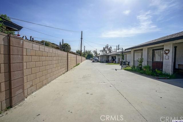 129 S Vernon Avenue, Azusa CA: http://media.crmls.org/medias/3d154587-3f79-432f-a8a0-0d237c5f94df.jpg