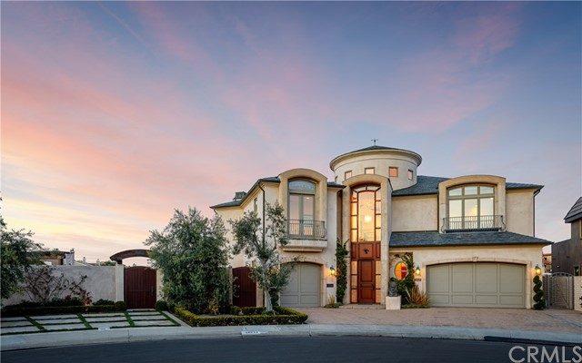 Huntington Beach                                                                      , CA - $7,950,000