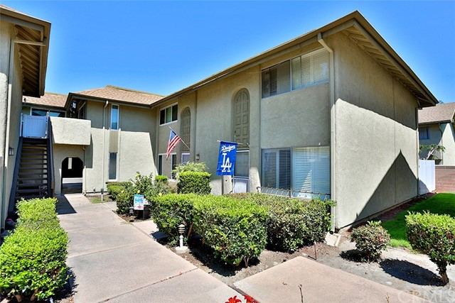 9565 Pettswood Drive Huntington Beach, CA 92646 OC17168107