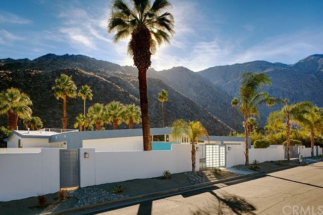Single Family Home for Sale at 677 W Crescent Drive 677 W Crescent Drive Palm Springs, California 92262 United States