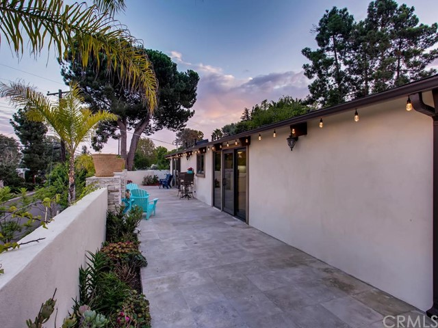 3087 Cranbrook Court, La Jolla CA: http://media.crmls.org/medias/3d3b27f8-b972-4478-af70-776f54cd49d1.jpg