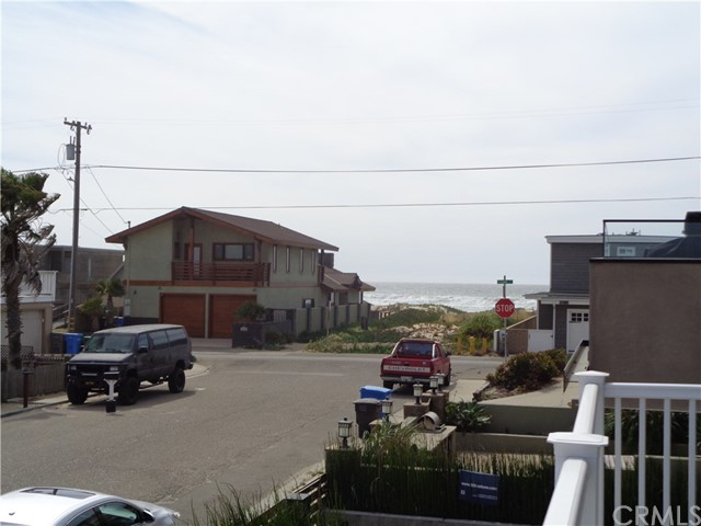 329 YORK AVENUE, OCEANO, CA 93445  Photo 14