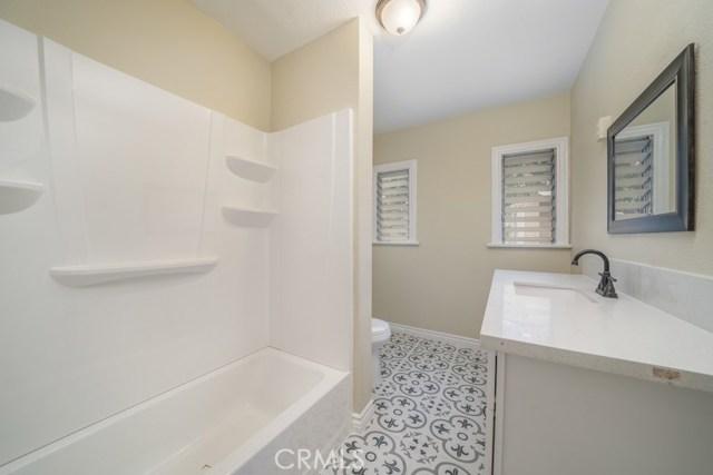 647 W 16th Street, San Bernardino CA: http://media.crmls.org/medias/3d3beedc-50c1-42d8-a3f3-fb3102b0de5a.jpg