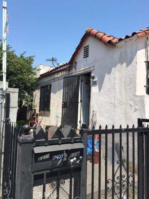 8409 Central Avenue, Los Angeles, CA 90001