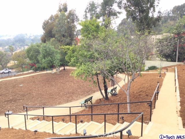 4040 Via Marisol, Los Angeles CA: http://media.crmls.org/medias/3d527b53-a3ee-4e36-bd1b-8709cd90cab2.jpg
