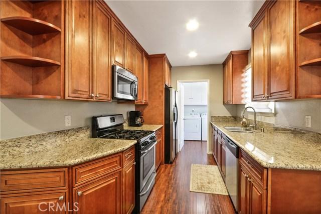 6340 Dashwood Street, Lakewood CA: http://media.crmls.org/medias/3d5ebe05-aafb-404c-ac7c-7fba2340367e.jpg
