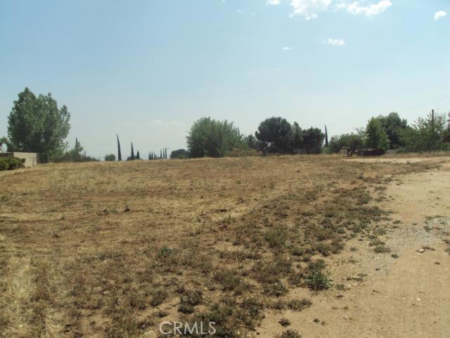 9481 Oak Creek Road, Cherry Valley CA: http://media.crmls.org/medias/3d6fc6db-f286-460c-82bd-fe06737c18e2.jpg