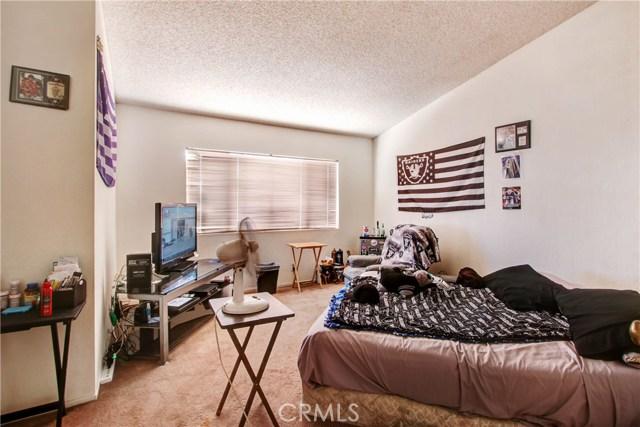2157 Turnberry Lane, Corona CA: http://media.crmls.org/medias/3d7549e7-e00c-43d7-b4ed-22d983022713.jpg