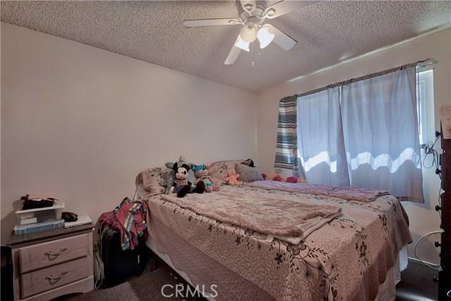 2077 Wallace Avenue, Costa Mesa CA: http://media.crmls.org/medias/3d763668-7638-46a1-856d-4ffe25f74e6f.jpg