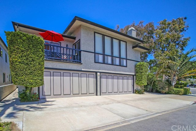 Single Family Home for Sale at 123 31st Street Newport Beach, California 92663 United States