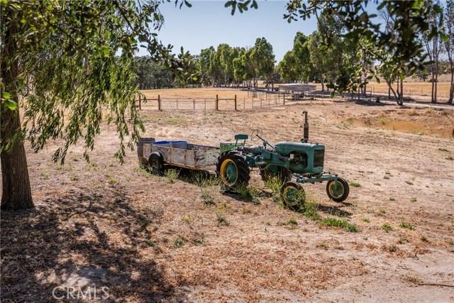 3720 Airport Road, Paso Robles CA: http://media.crmls.org/medias/3d9c5beb-9f11-492c-ba20-898cc03d8f0f.jpg