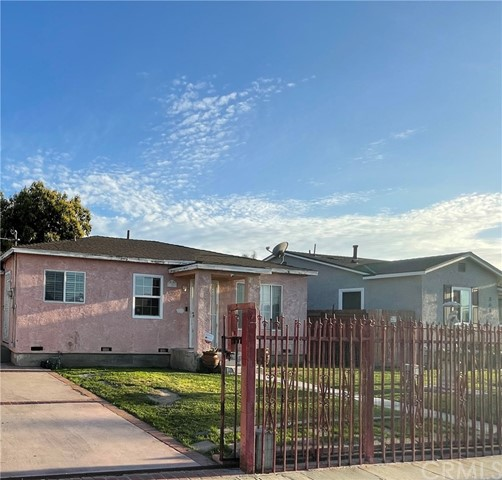 Detail Gallery Image 1 of 9 For 358 W Cedar St, Compton,  CA 90220 - 2 Beds | 1 Baths