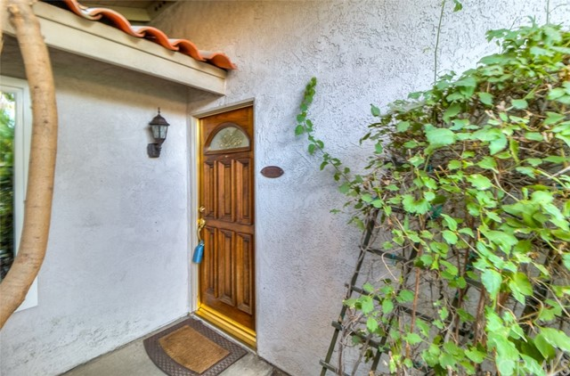 1186 Sheila Court, Upland CA: http://media.crmls.org/medias/3da567be-2675-477b-bb85-e44fa7dd76e1.jpg