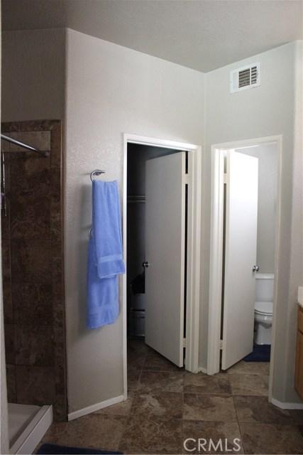 13673 Basswood Drive, Corona CA: http://media.crmls.org/medias/3da665cd-d347-435f-b344-89c729ed2493.jpg