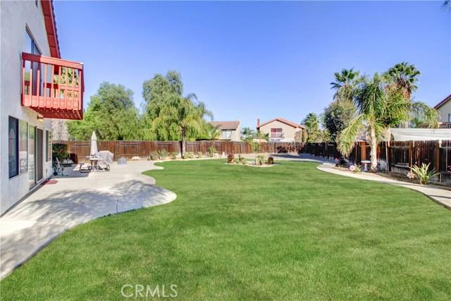独户住宅 为 销售 在 25144 Middlebrook Way Moreno Valley, 92551 美国