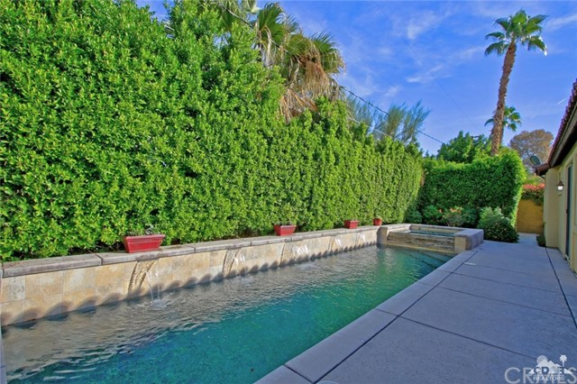 46180 Cypress Estates Court, Palm Desert CA: http://media.crmls.org/medias/3da8e9f5-ba45-41ba-99f4-ee2d7fc83604.jpg